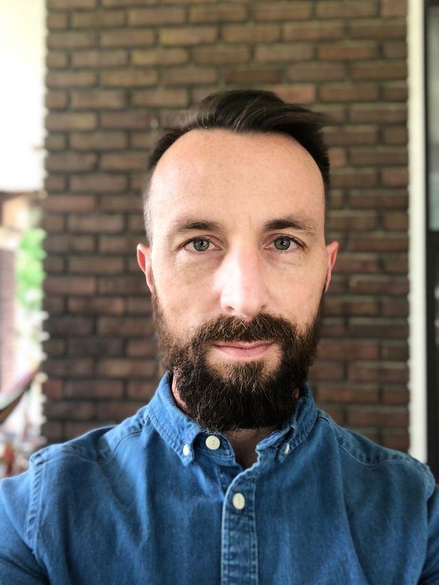 Artist Shawn Bitters
